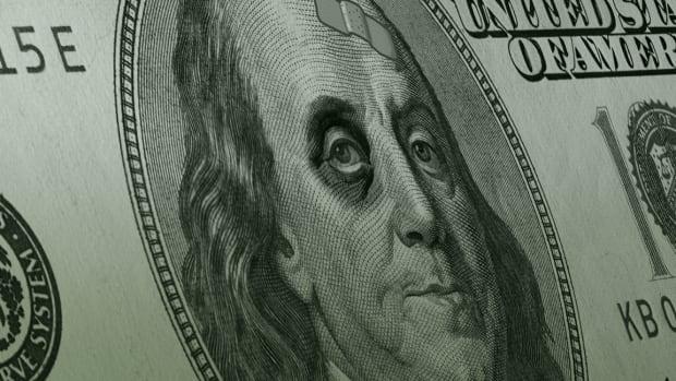 U.S. Dollar Extends Worst Slump Since 2003 Ahead of Big Moments for Investors