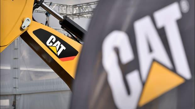 Caterpillar Bulldozes Ahead as Tariff Delay, Rising Sales Give Shares a Boost