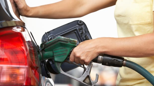 Rising Gas Prices Unlikely to Hurt Retailers This Summer