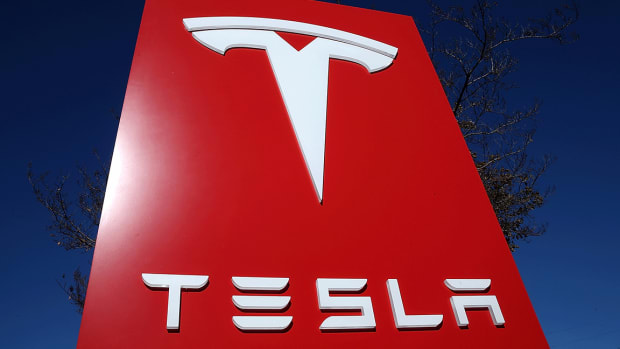 Tesla: What Are Wall Street's Best Analysts Saying Now?