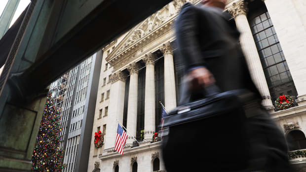 Dow Finishes Lower After Surpassing 26,000; S&P 500 and Nasdaq Also Decline