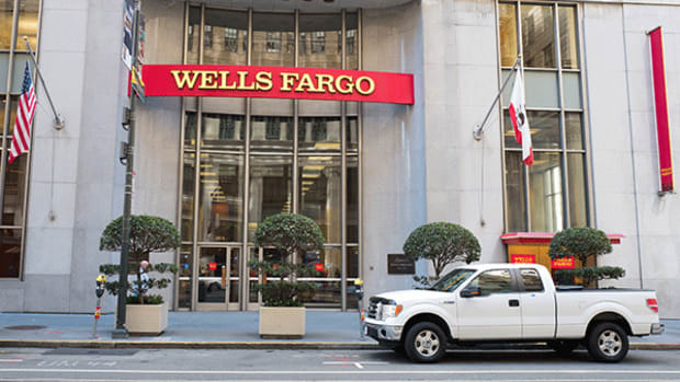 Wells Fargo Directors Exiting After Federal Reserve Slams Governance
