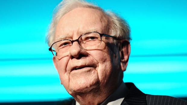If Warren Buffett Wants to Hold Apple's Stock Forever, You Should Too