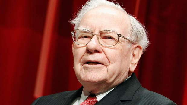 Warren Buffett Offers Some Hope to Beleaguered Investors