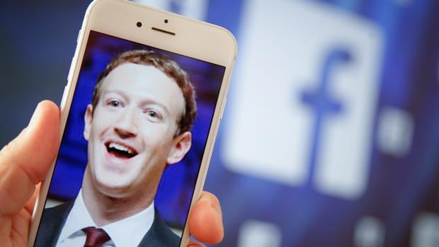 Mark Zuckerberg's Silence on Facebook Data Scandal Speaks Volumes