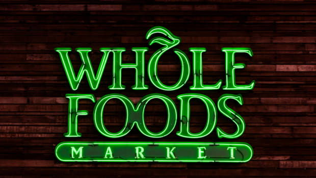 Amazon's Whole Foods Division Gets Savage Review by This Stock Analyst