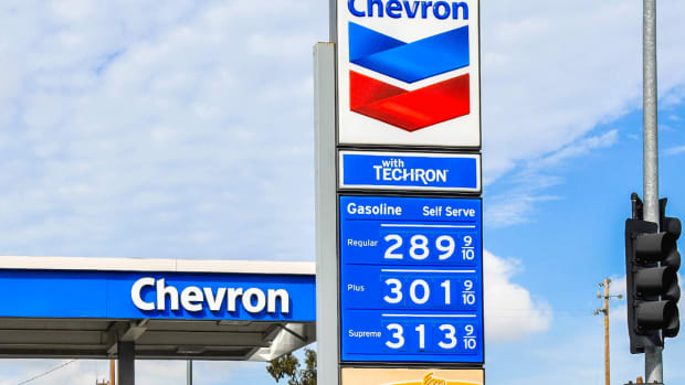Chevron Gains After JPMorgan Says Recent Pullback Means Time to Buy