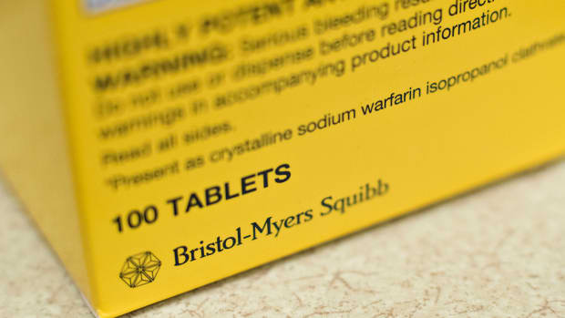 Bristol Myers Beats Estimates, Gives Positive News on Lung Cancer Drugs
