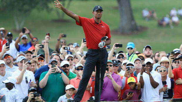 Tiger Woods Takes Tour Championship for First Win Since August 2013
