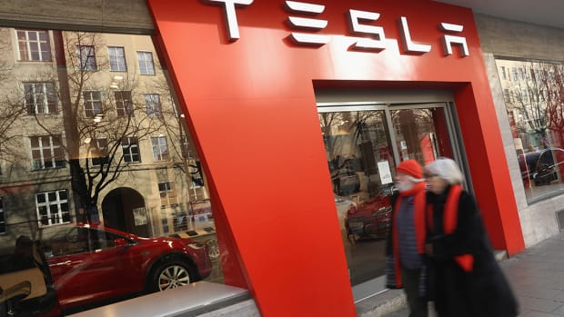 Apple Posts Strong Earnings and Revenue; Investors Await Tesla's Results--ICYMI
