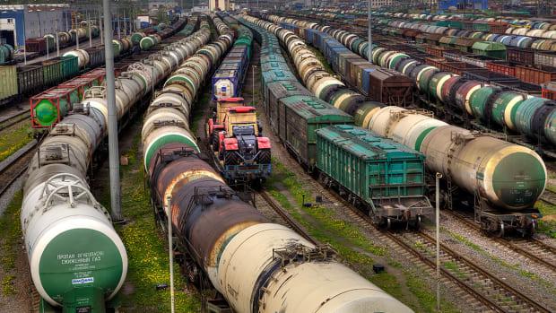 5 Railroad Stocks That Look Good Under the New NAFTA Deal