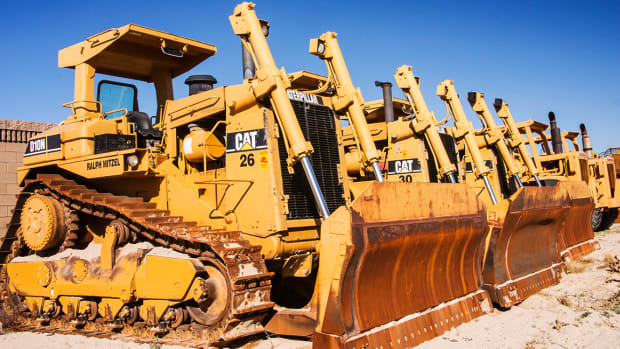 3 Reasons Caterpillar Stock Will Explode Higher in 2018