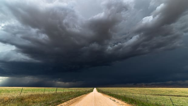 Midterm Elections Are a Black Cloud Hanging Over the Dow's Head
