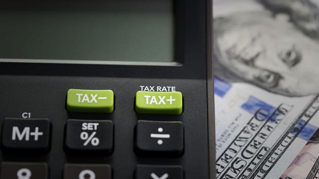 What Is a Tax Advisor and How Do You Choose One?