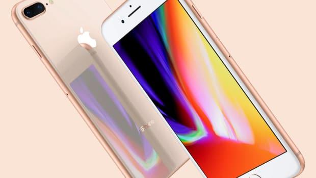 Apple Dips In Spite of Earnings Beat on Soft iPhone Sales, Weak Guidance