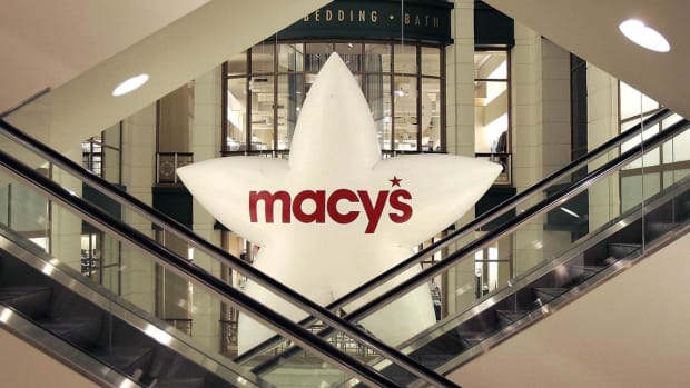 Macy's Shares Plummet on Decline in Total Sales for Quarter
