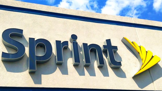 Investors Hungry for Yield Put Money Where Their Mouth Is in Sprint