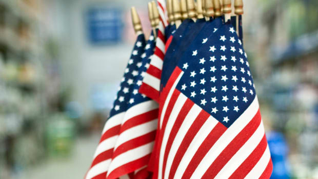 Financial Independence: Celebrate Fourth of July with Red, White and Cramer!