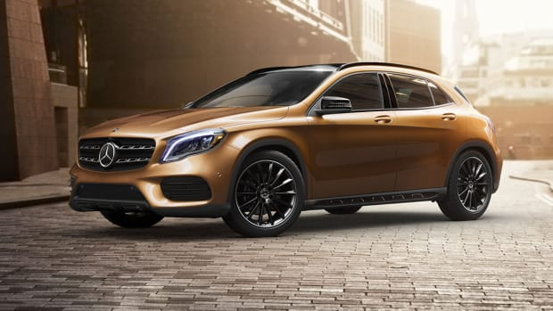 Mercedes Sees Strongest Quarter Ever on China, SUV Growth