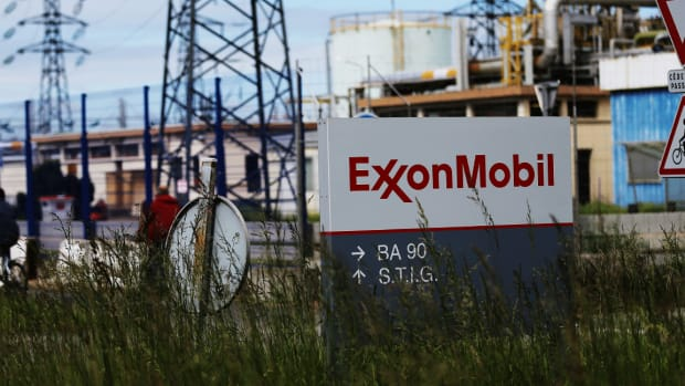 Exxon Falls After Energy Giant Misses Estimates Despite Tax Benefit