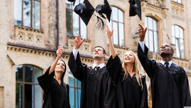 Subsidized vs. Unsubsidized Student Loans: What's Best for You in 2019?
