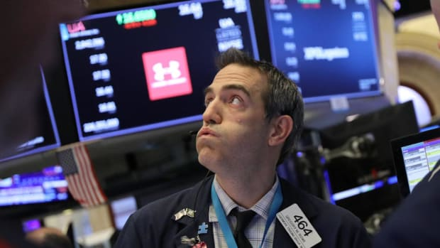Dow Drops Below 22K, S&P Enters Bear Market on Worst Christmas Eve Session Ever