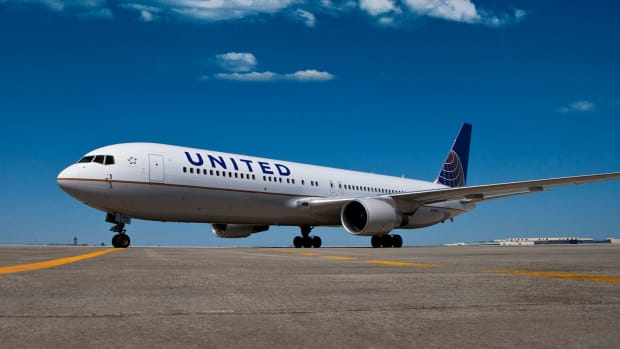 United Airlines Holdings Expected to Earn $3.97 a Share