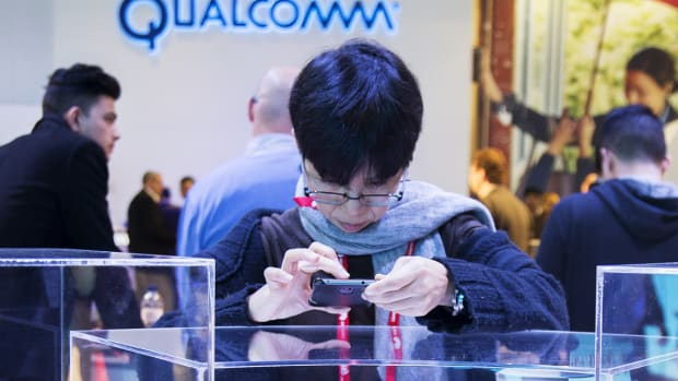 Take a Breather on Qualcomm as It Trades In-Line With Peers