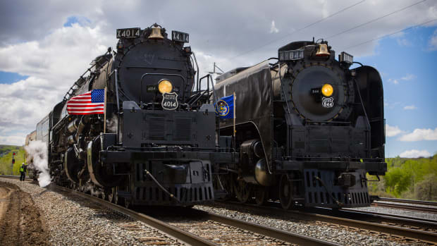 Union Pacific CEO: Here's How Our Share Buyback Plan Will Unfold