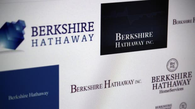Berkshire Hathaway Preview: Warren Buffett's Big Tech and M&A Strategy -- ICYMI