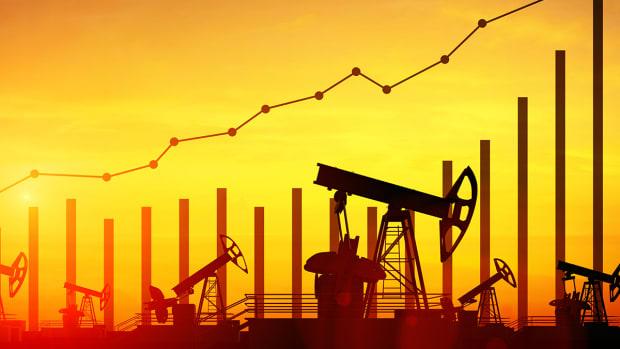 How to Manage Oil Stocks During Hurricane Season - Jim Cramer