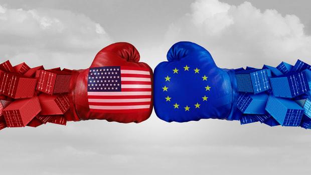 Tariff 'Weaponry' Keeps Investors Alert as Trump Puts Euro in Twitter Spotlight