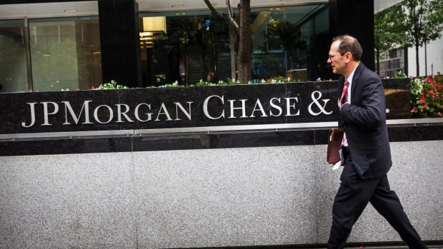 JPM, WFC, GS Earnings: The Economy Is Strong, But There's a Caveat