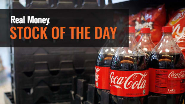 Jim Cramer Explains Why Coca-Cola's Earnings Have No Consumer Correlation
