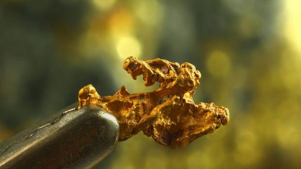 Billionaire Dreams Crushed? Golden Asteroid Is Hogwash, Says Expert