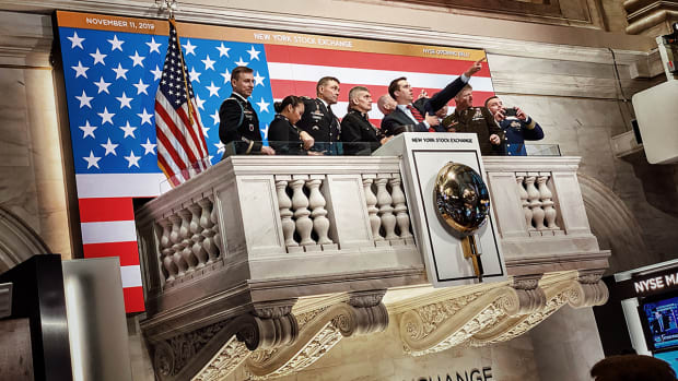 NYSE Observes a Moment of Silence for Veterans Day