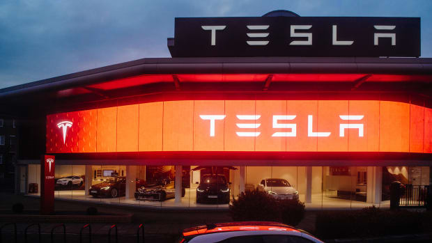 Jim Cramer: How Elon Musk Seemed More 'Grown Up' at Tesla's Shareholder Meeting