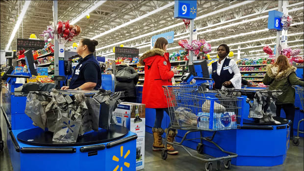 Jim Cramer: 'Walmart, by Treating People Better, is Doing Better'