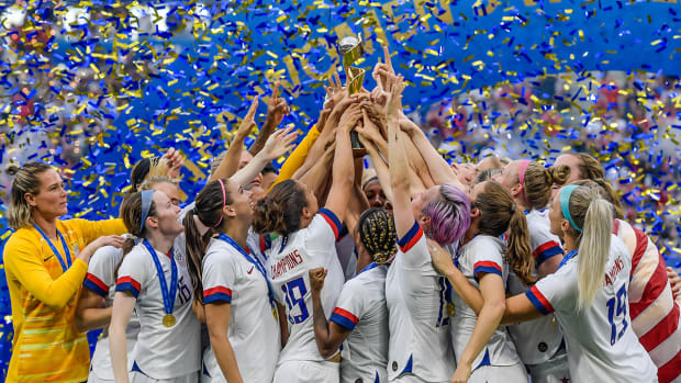Timing Is Perfect for U.S. Women's Soccer to Demand Equal Pay - Tiki Barber