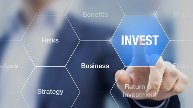 Looking to Invest Long-Term? Here's How Investors Should Approach the Banks