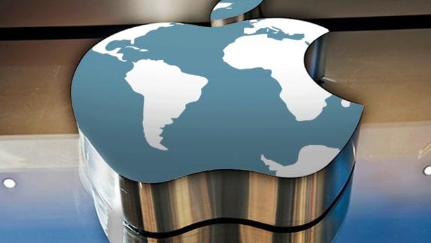Jim Cramer Tells Investors What to Do With Apple's 'Weak' Stock