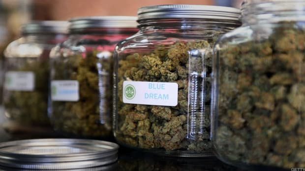 California's Exploding Cannabis Industry Has a Surprising Problem With Cash