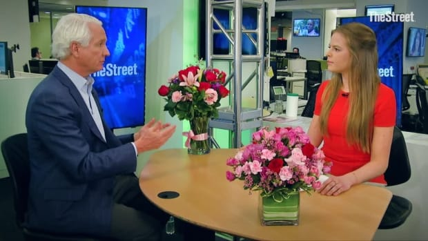 Valentine's Day Boom on Tap Amid Strong Economy, Spending: 1-800-Flowers CEO