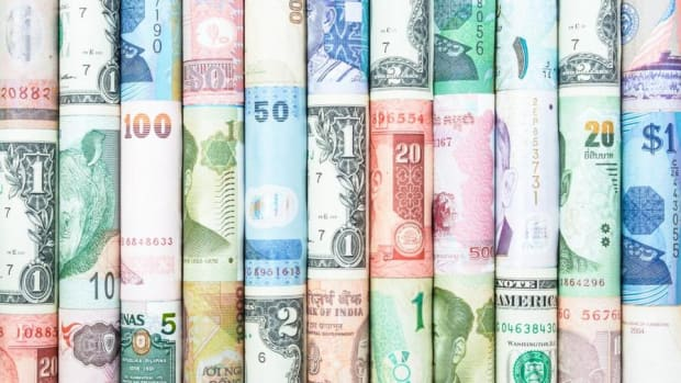 60 Seconds: How Do You Make Money From Currency Trading?