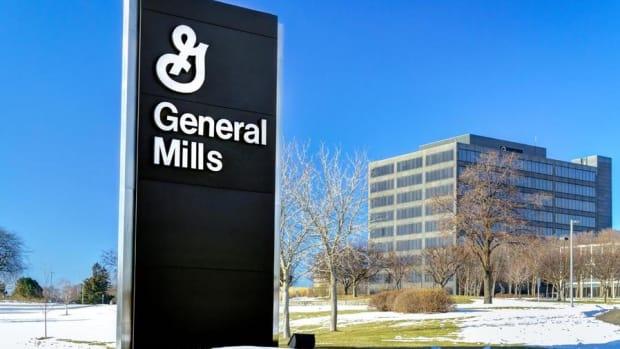 General Mills Buying a Natural Pet Food Company for $8 Billion Makes Sense