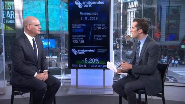 Video: Amalgamated Bank Shares Pop in Nasdaq Debut