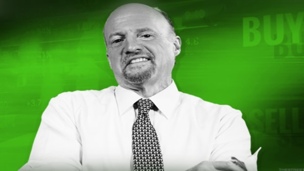 Jim Cramer: If You Fear China, Short Yum China and Long Yum! Brands