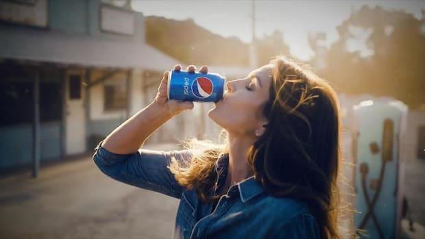 2018 Super Bowl Ad: Pepsi Brings 'Em All Back -- Even the King of Pop