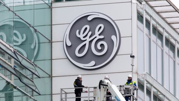 Cramer vs. Chaikin: It Would Be A Blessing If GE Is Kicked Out of The Dow