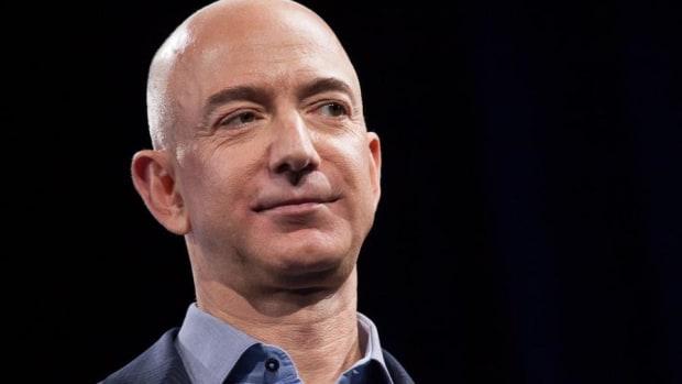 Trump May Not Like Amazon's Jeff Bezos, But Billionaire Mark Cuban Digs Him